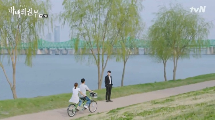 bride-of-the-water-god-2017-filming-location-episode-2-Yeouido-Hangang-Park-koreandramaland-c