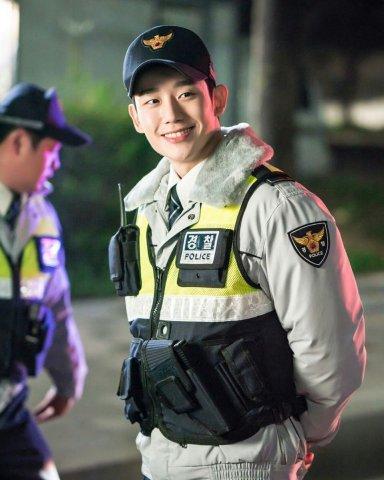 Han Woo Tak policia