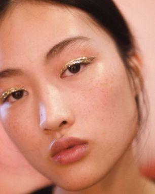 35a9c34307e91245e53607b10f1ad8ec--sparkly-makeup-glitter-makeup