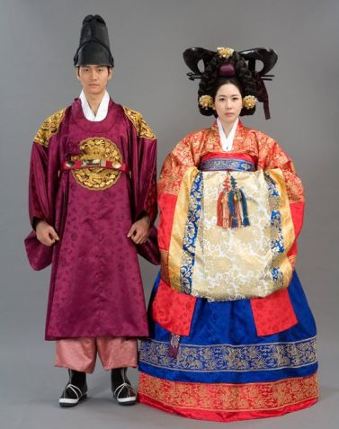99c3ef76417e3752f3930a69b1c9bc09--korean-dress-korean-hanbok