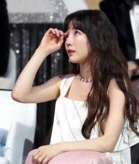 Jonghyun_Jonghyun_Taeyeon_Lee-Hi_1515684839_t1
