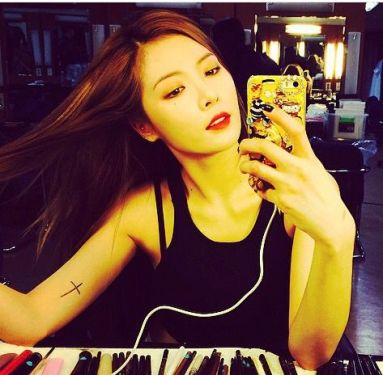 3849e35e523c6666bc6ba59df484232f--hyuna-kim-cross-tattoos