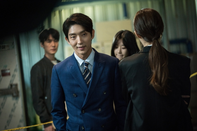Lawless_Lawyer-t4-111